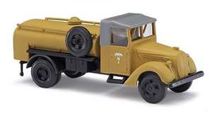 Busch 80021 Ford V8 fuel tanker sand livery