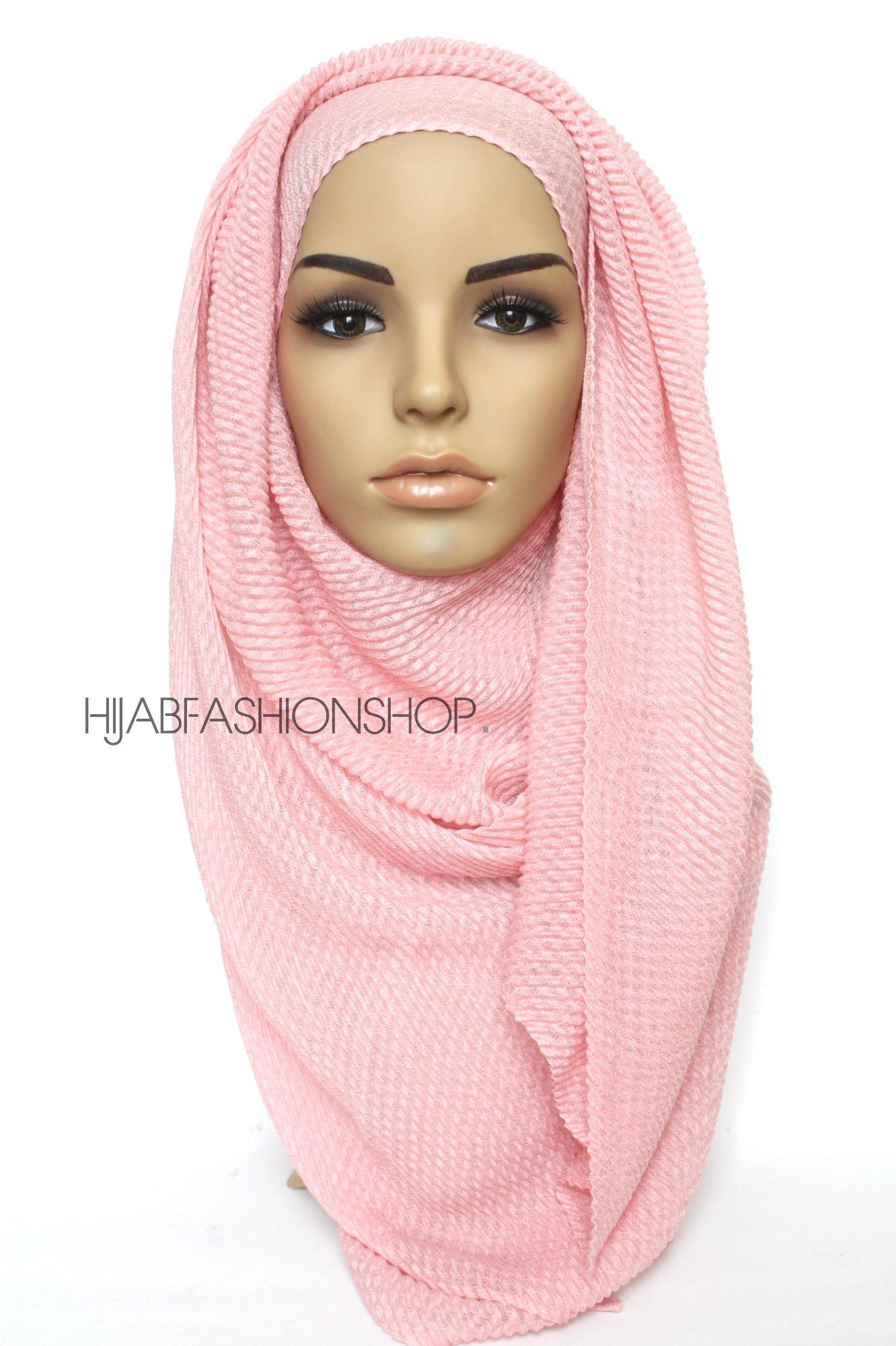 pink pleated hijab