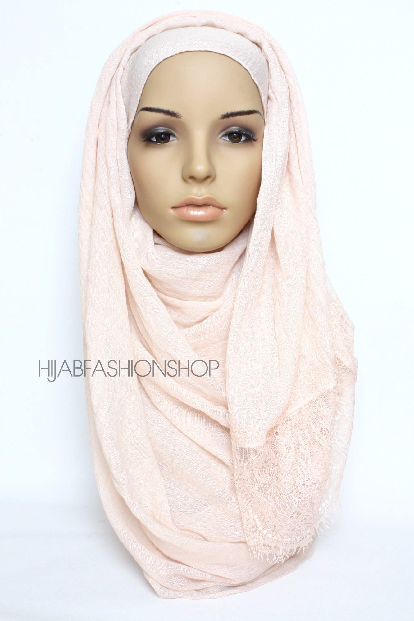 peachy pink plain hijab with lace edges