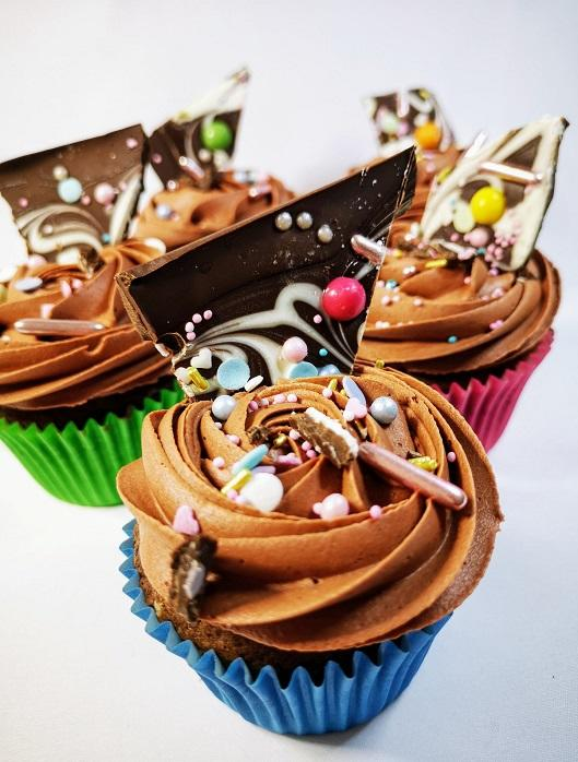 Marble Bark chocolate cupcake  pic 3