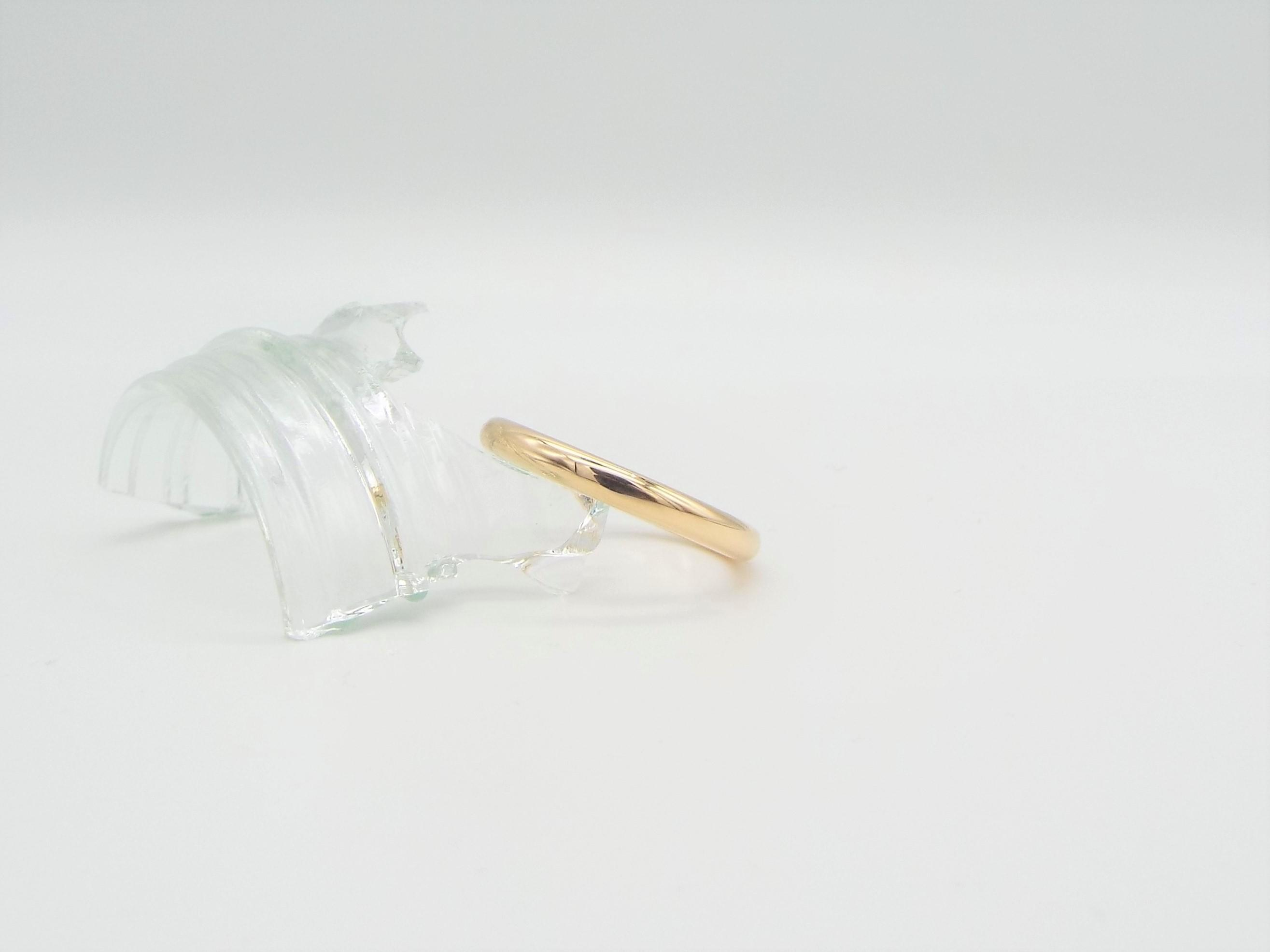 9ct D shaped wedding ring