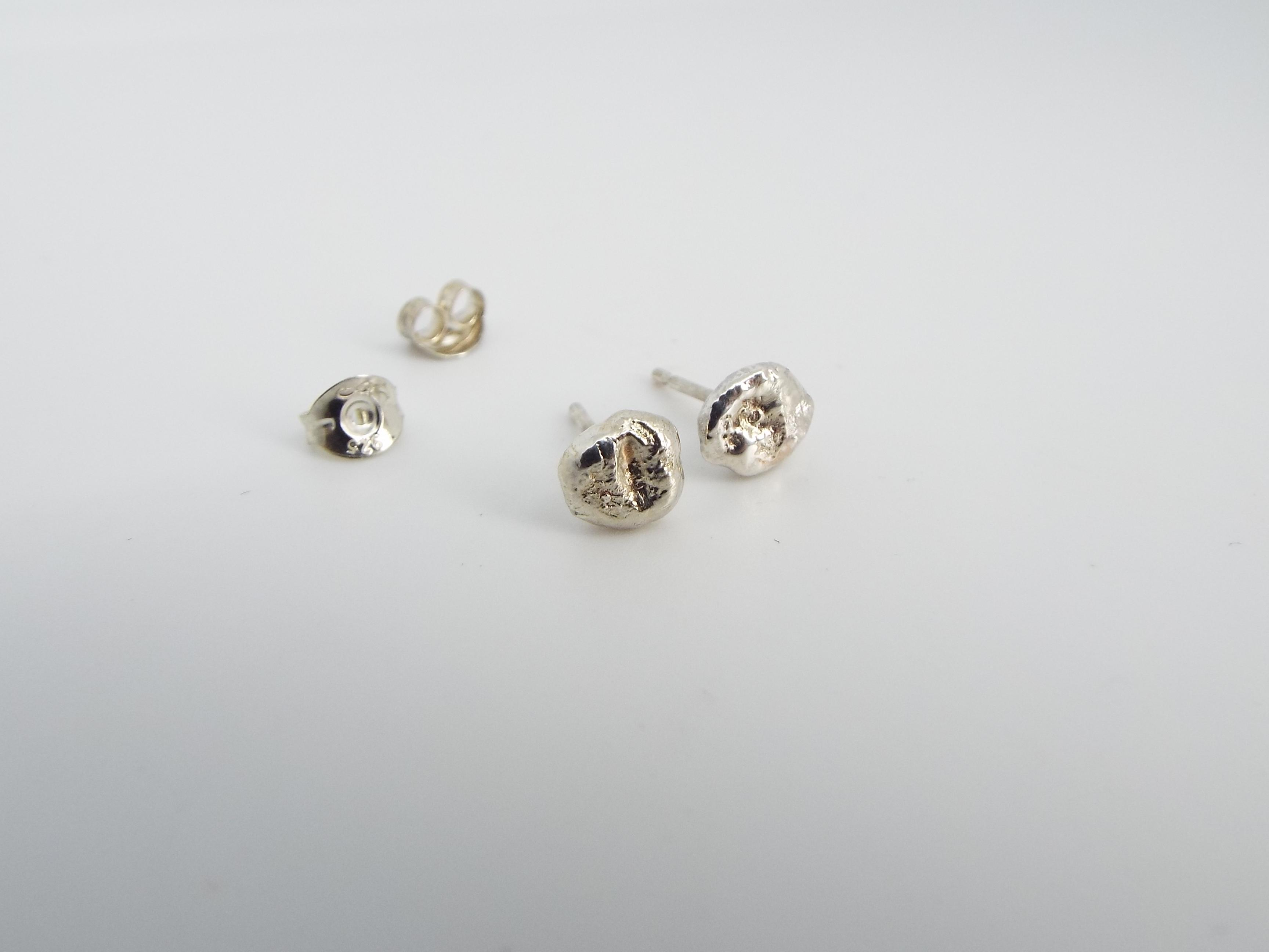 recyled sterling silver textured stud earrings