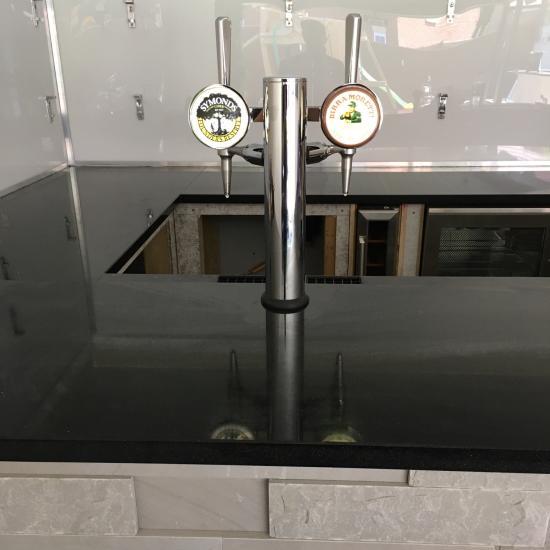 Home bar beer tap installation