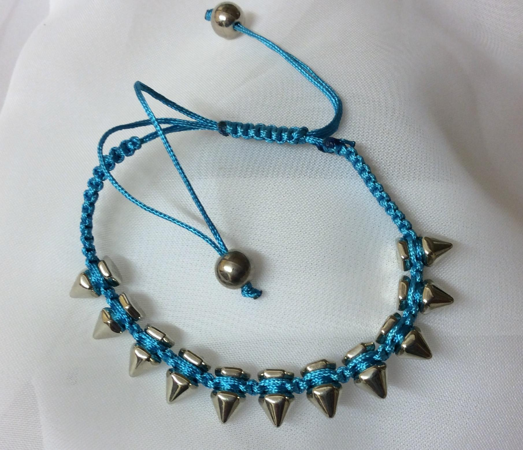 Bracelet Metal Spike Macrame Adjustable Blue