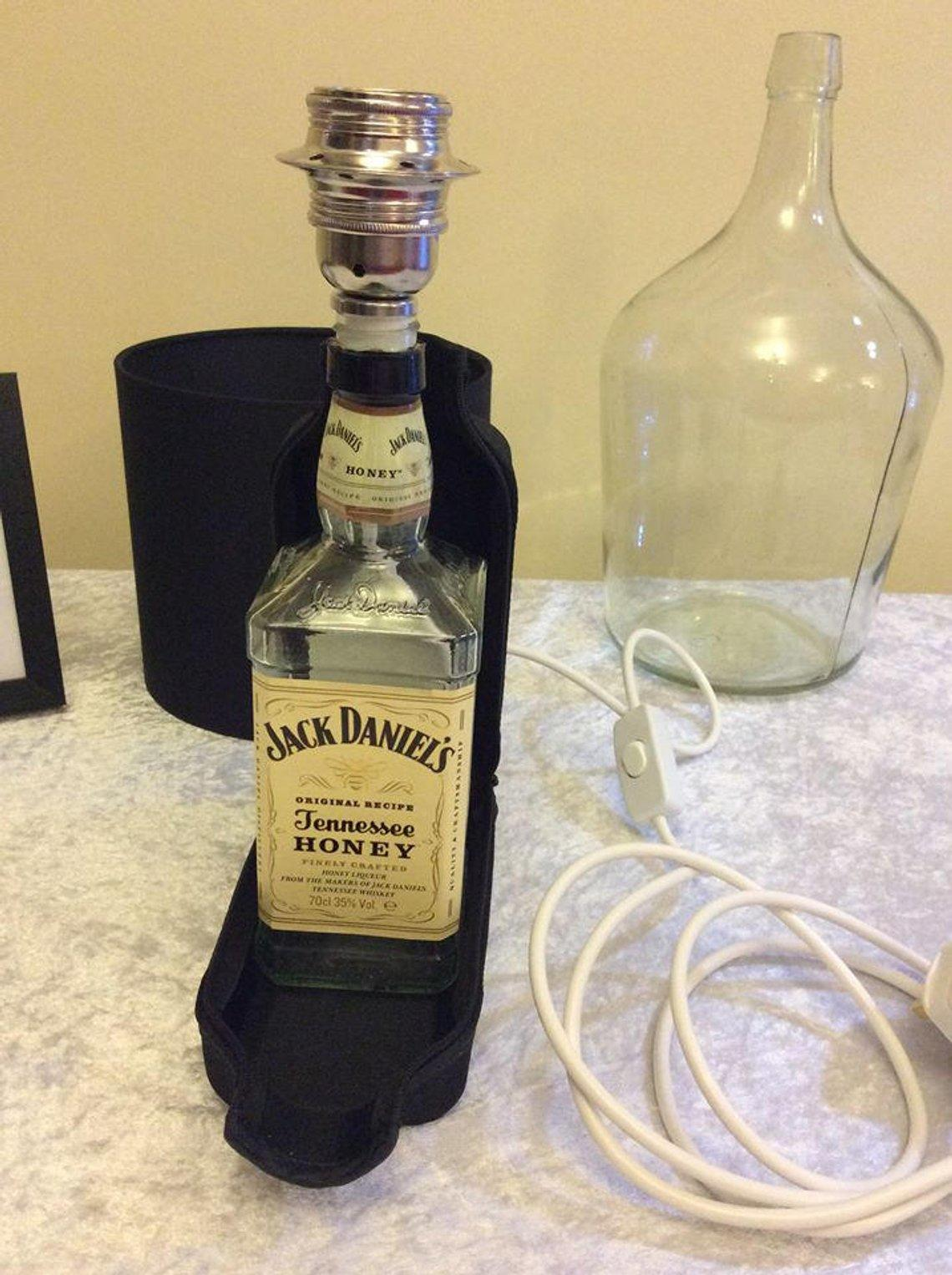 Limited Edition Jack Daniel's Tennessee Honey Whiskey Bottle Lamp with fitted Neoprene Chiller Jacket showing Bee Zipper Free Shipping UK