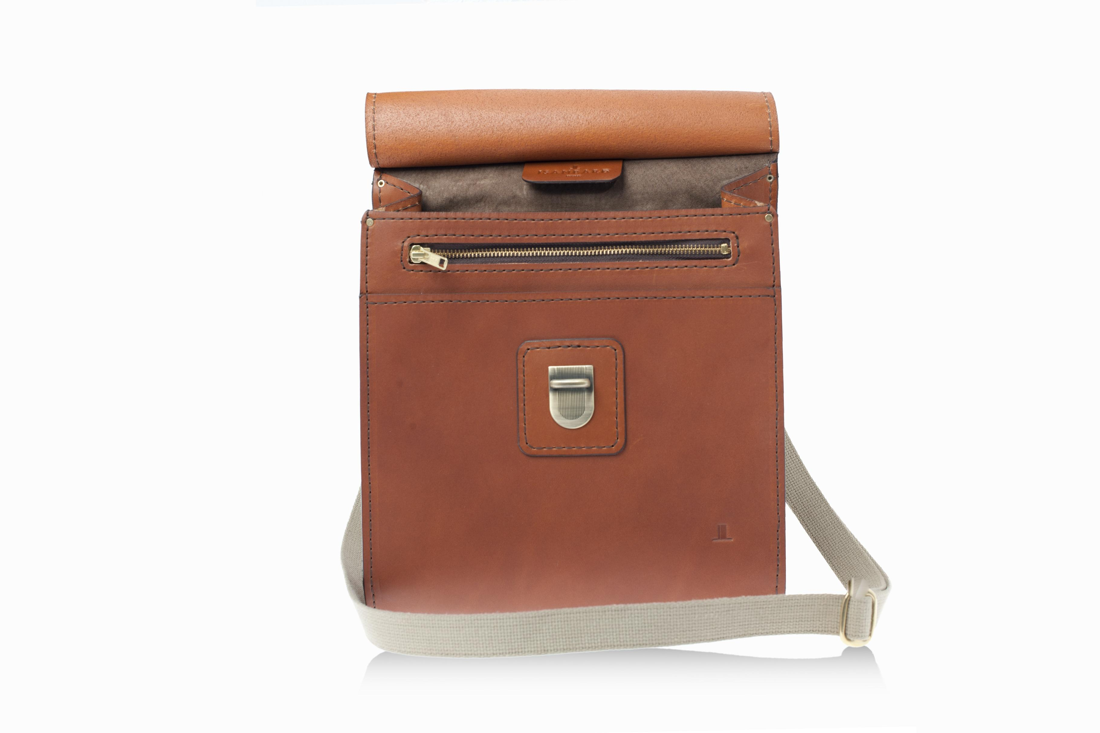 b173405a78 Outlet - ISAMBARD Large Clifton Messenger - Saddle Bag In Cognac ...