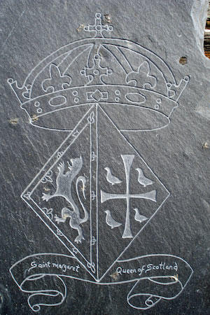 Small diamond ball burrs from Eternal Tools were used to engrave this slate plaque by Martin Wilson of Hatch, Burn, Carve