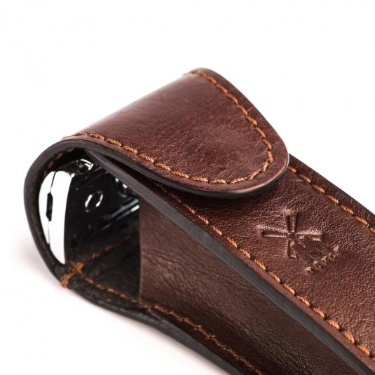 brown leather pouch for safety razor