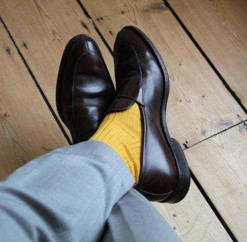 Review: Di Carlo Socks (Woollen Hulls Blog)