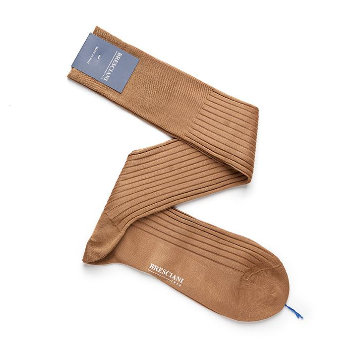Bresciani-over-the-calf-cotton-socks-in-Walnut colour 1