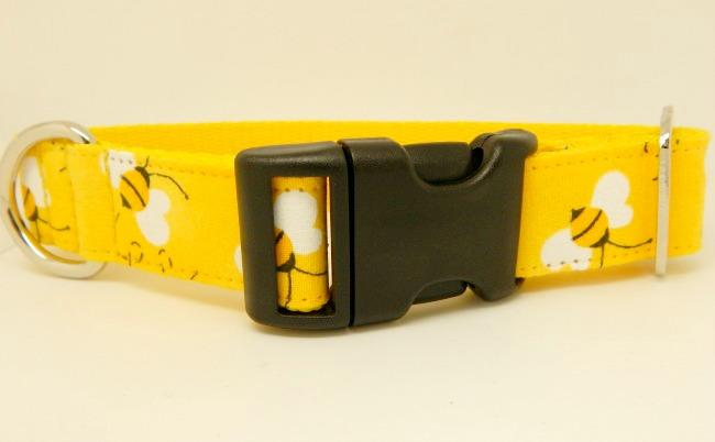 Yellow bees dog collar