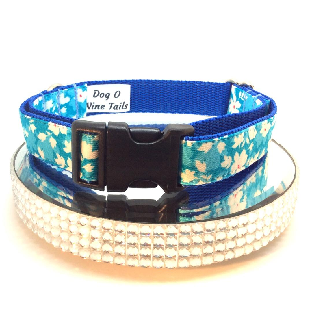 Small dog collar, turquoise sprig fabric