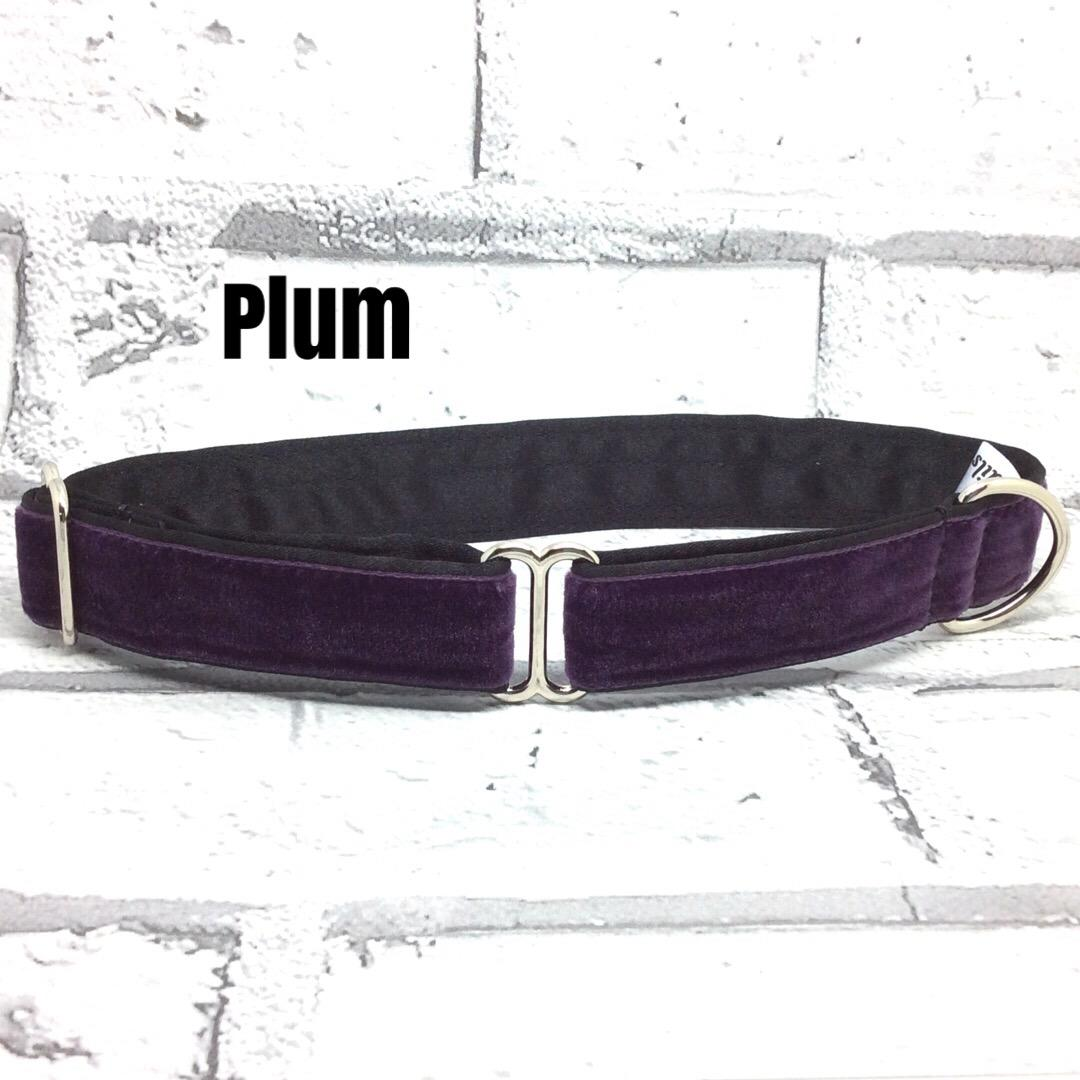 Soft velvet collar in Plum