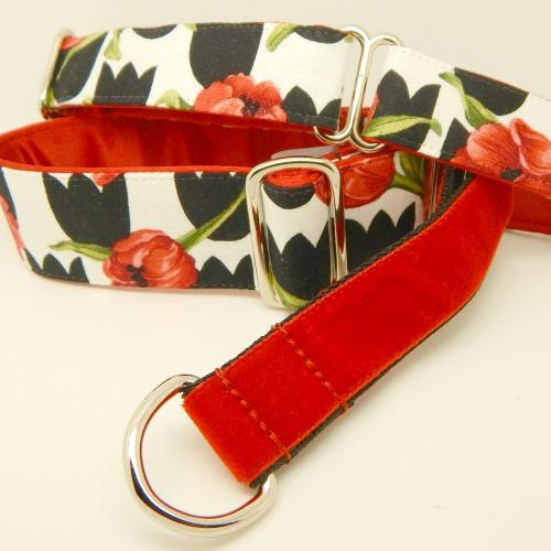 red tulips dog collar, black and white, red