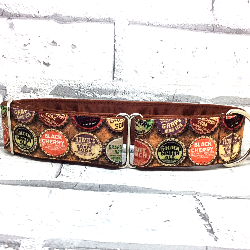 Dog collar, pop bottle tops design, handmade