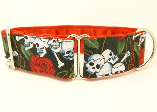 skulls and roses dog collar, red, black