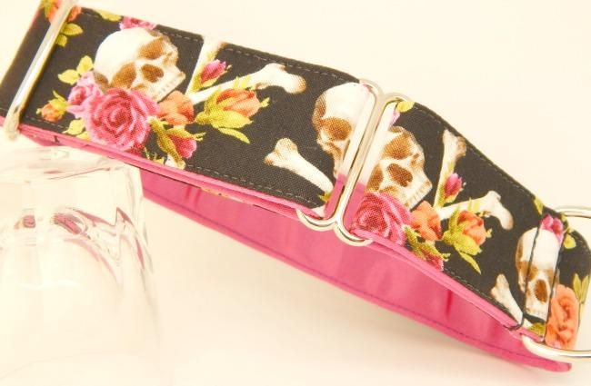 Skulls and Roses dog collar, pink roses,black