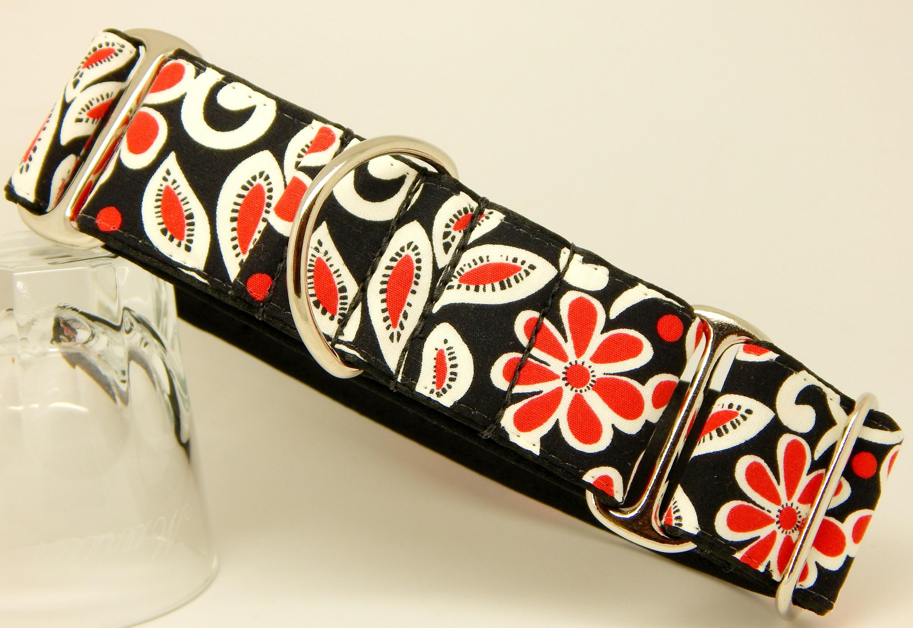 Red and black flower dog collar, available as house and walking collars