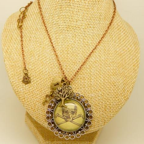 steampunk necklaces, goth, victoriana