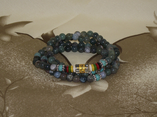 Buddhist wrist mala with Agate crystal gemstones,