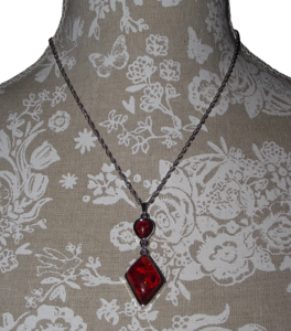 Fashion jewellery sets with ruby red pendant and earrings,