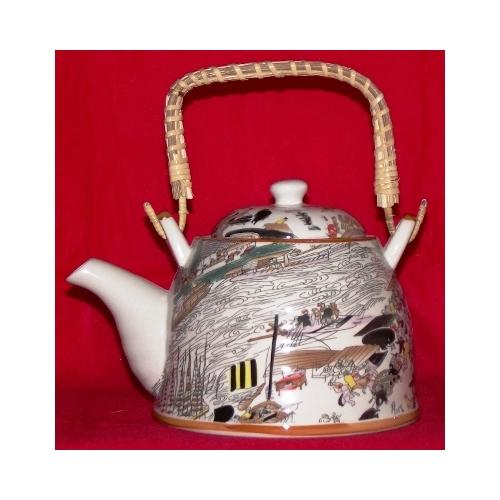Chinese teapot decorated with oriental figures,