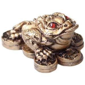 Small gold three legged money frog with Chinese coins,