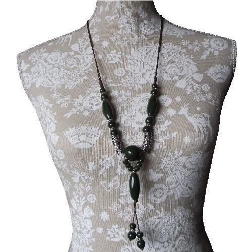 Chinese style fashion necklace with oriental decorations,