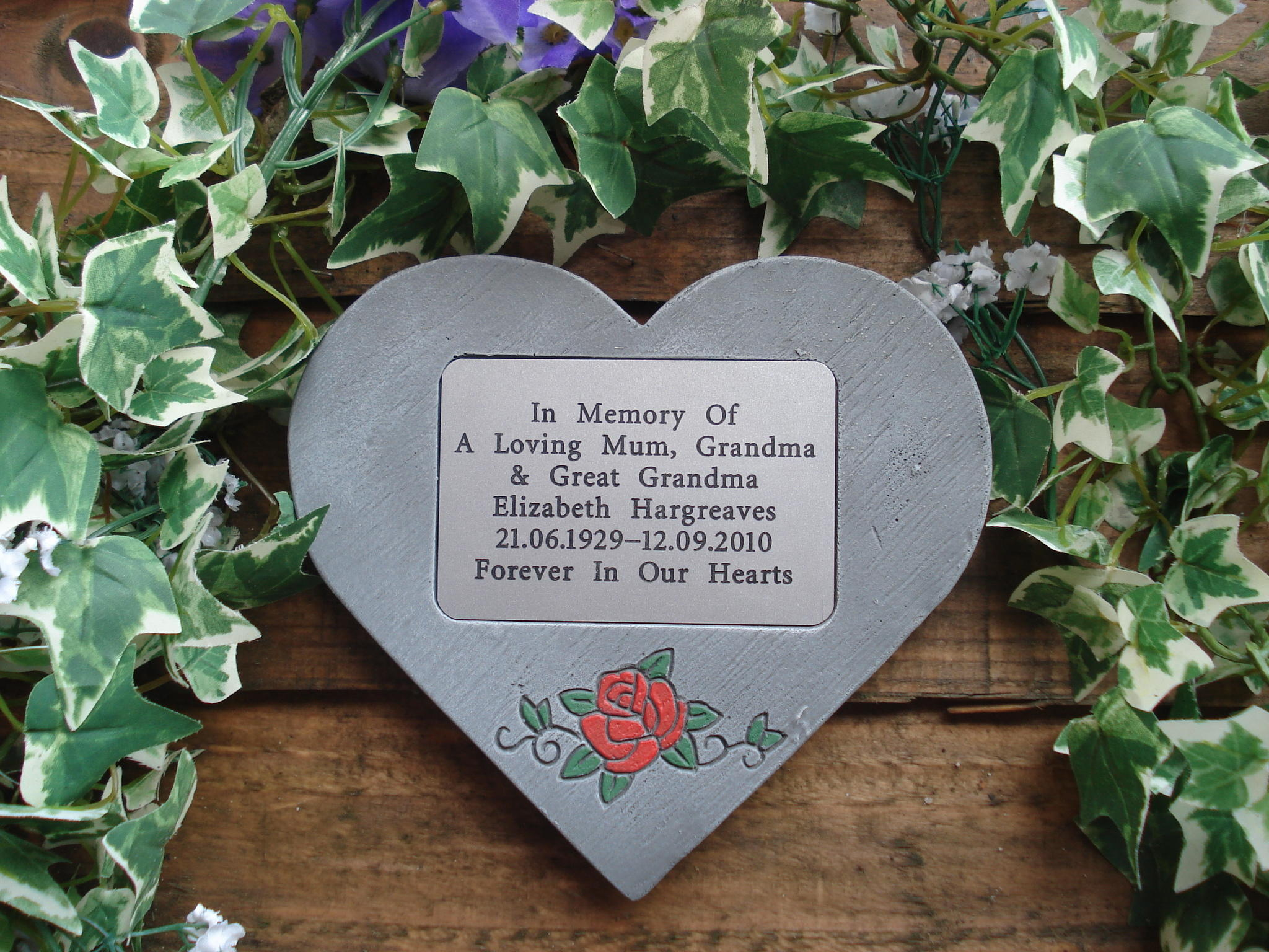 memorial heart with rose
