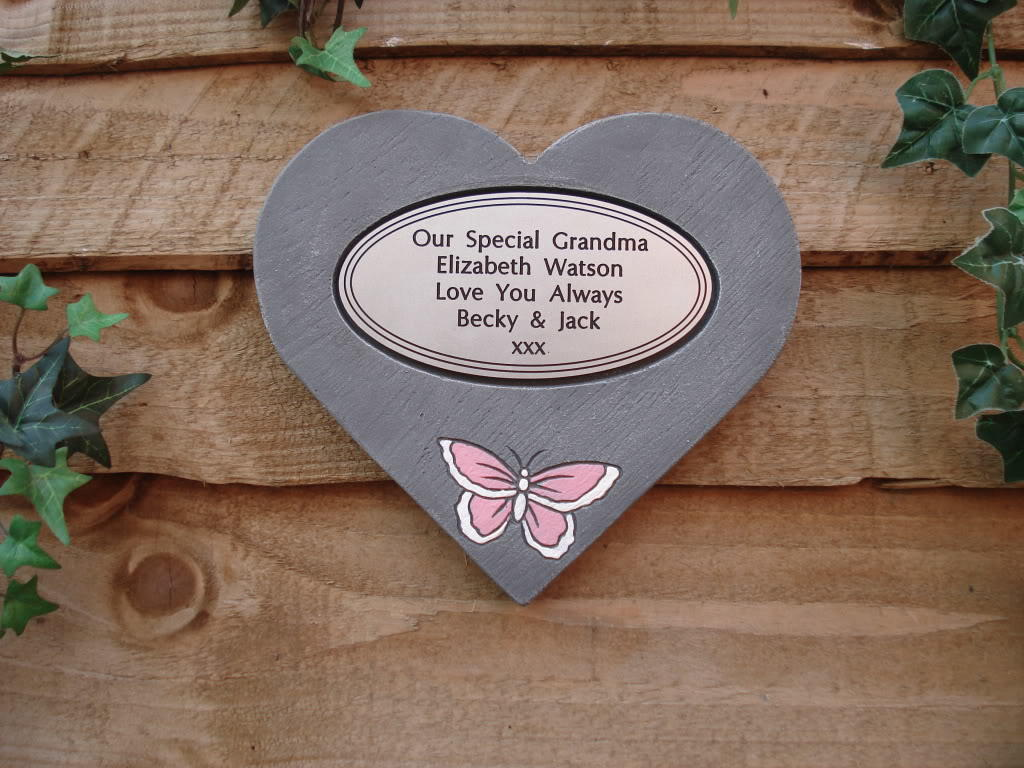 memorial hearts with oval plaques