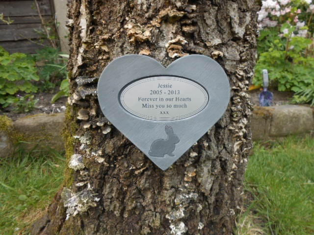 rabbit memorial heart with oval plaque