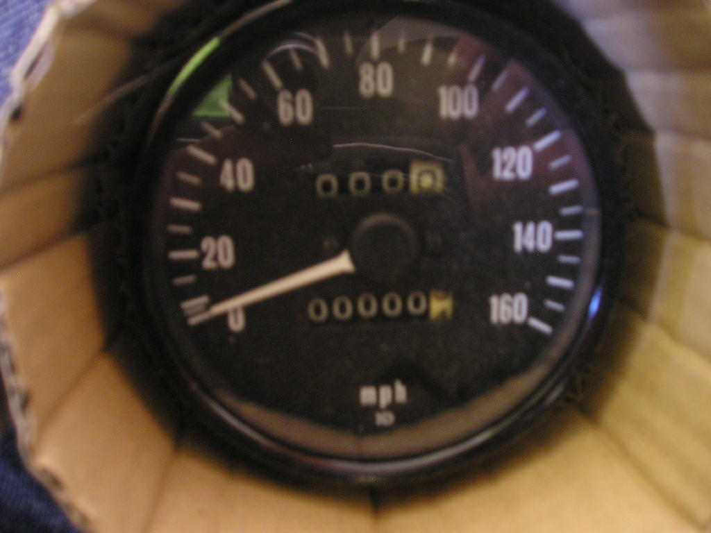The Z Zone Kawasaki Z900 Wiring Diagram 1974 Speedoat First Glance Z1 A Speedometer Looks Very Much Like 1973 Version It Is Another 160mph With 20mph Increments