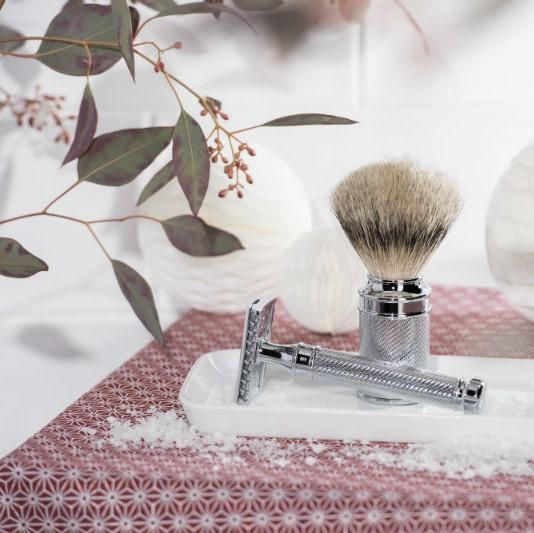 The Christmas The MÜHLE Silvertip Badger Open Comb Shaving Set