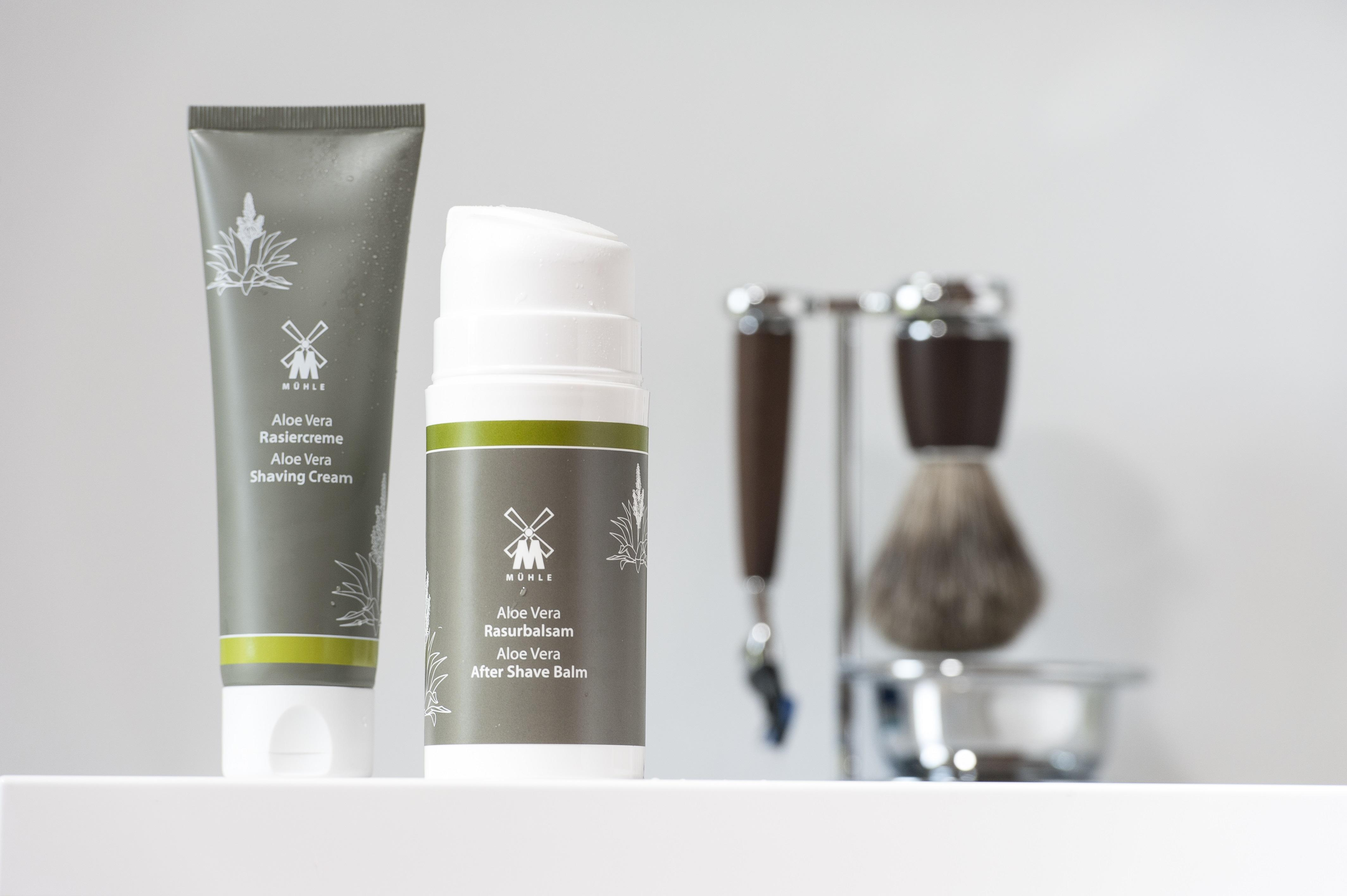 MÜHLE Aloe Vera Aftershave Balm and Shaving Cream with Rytmo Steamed Ash shaving set