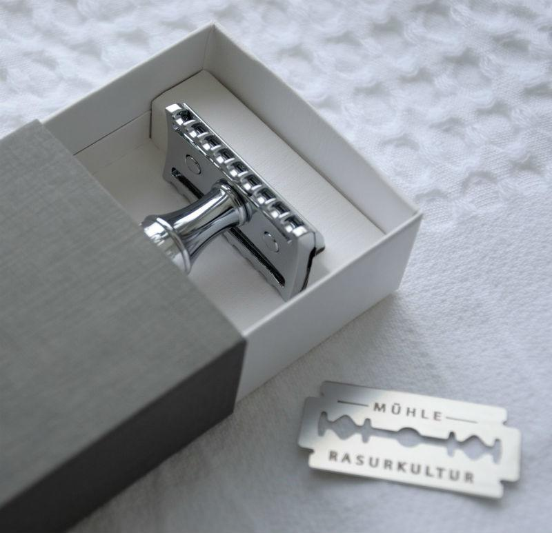 The MÜHLE R41 Razor and Razor Blade in our new recyclable packaging.
