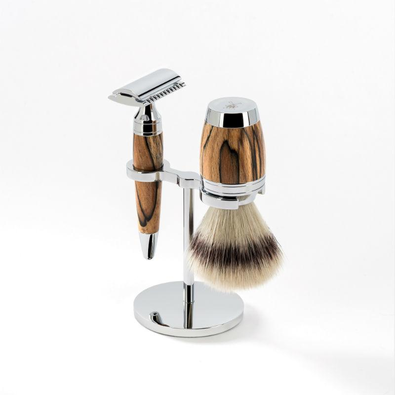 The MÜHLE STYLO Spalted Beechwood Silvertip Fibre Safety Razor set.