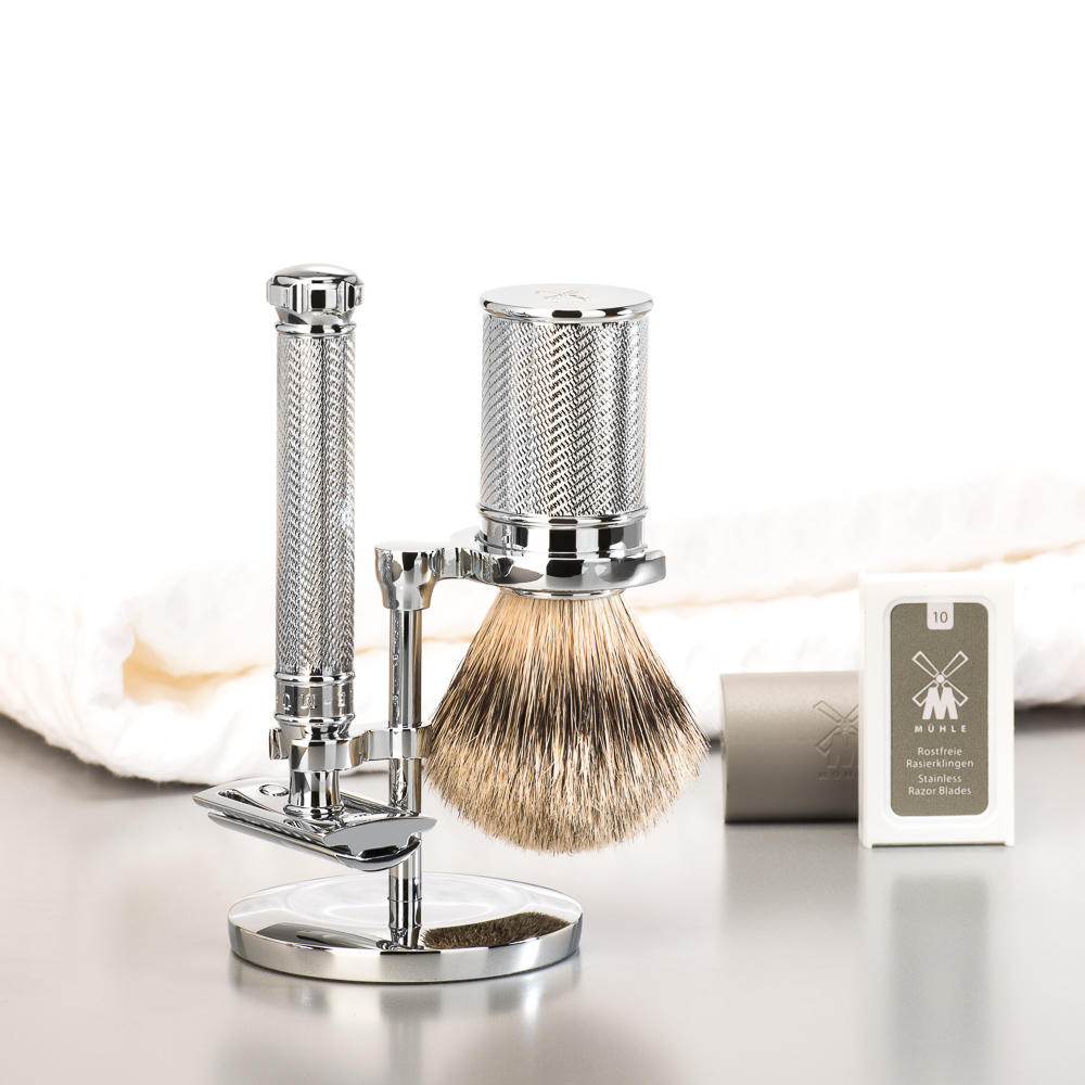 MUHLE TRADITIONAL Series Twist Safety Razor and Silvertip Badger Brush Gift Set - GSTRADTWIST