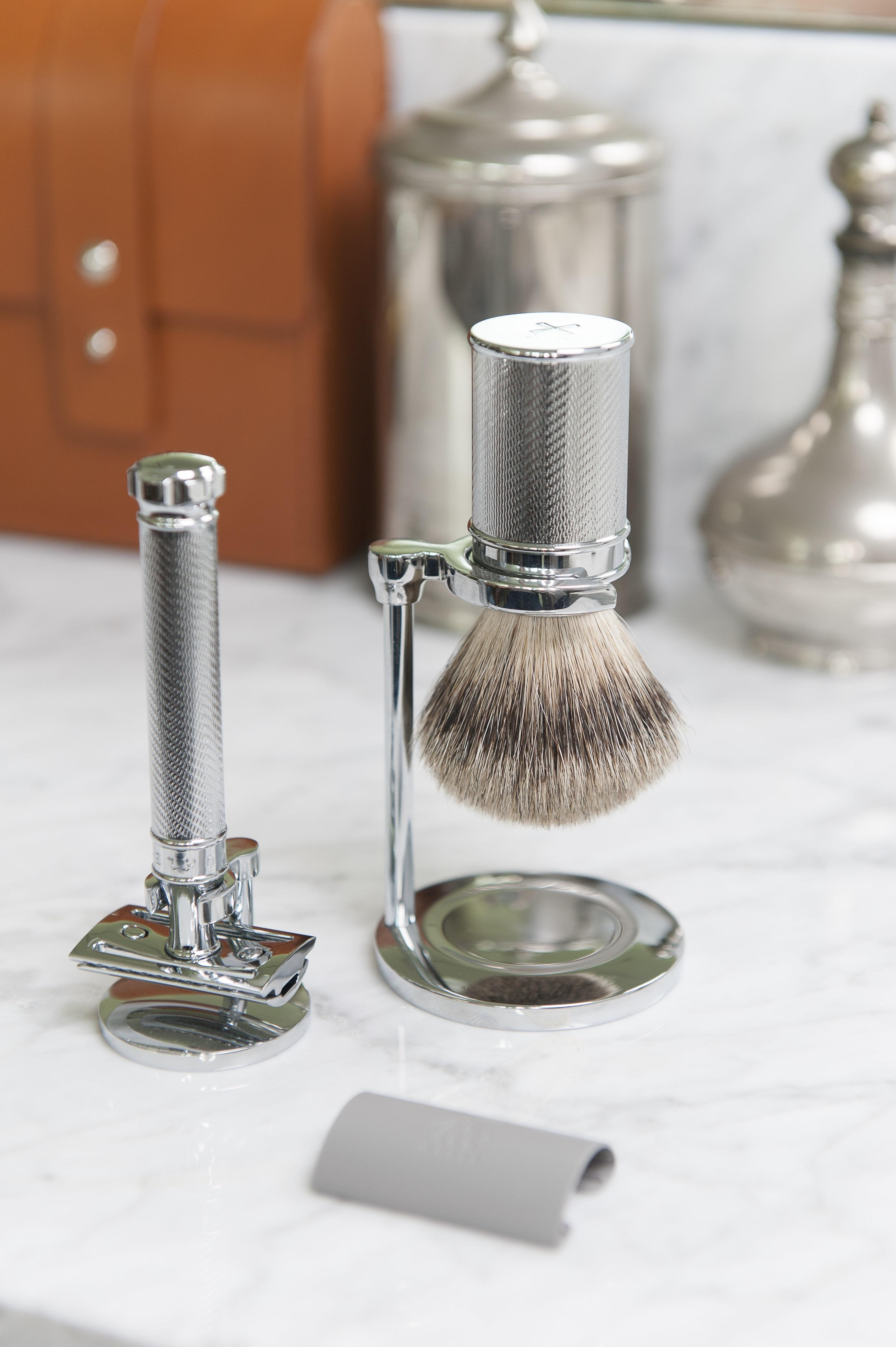 MÜHLE TRADITIONAL Silvertip Badger, Safety Razor Set with Blade Guard