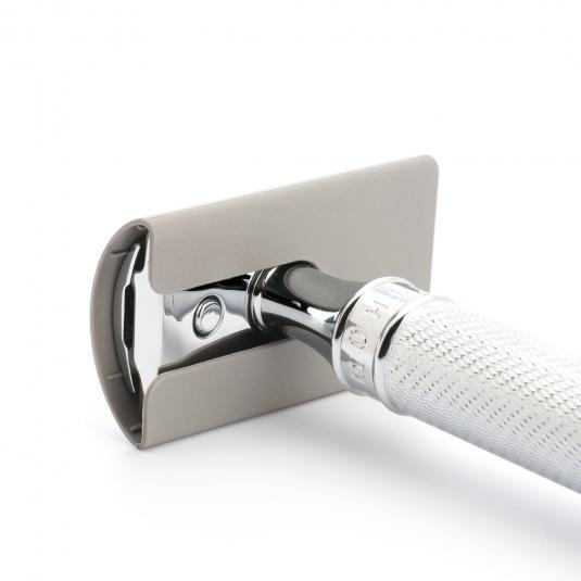 safety razor blade guard