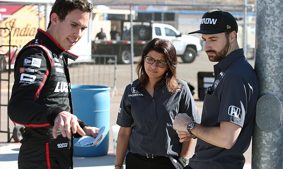 ©IndyCar Robert Wickens Leena Gade and James Hinchcliffe #TeamOmologato
