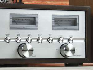 soundmaster PL880 Retro Turntable HiFi System zommed in shot of buttons