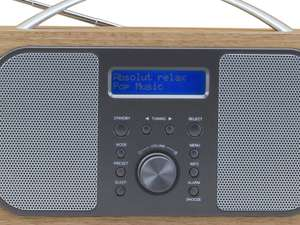 display screen view of soundmaster DAB600 Portable FM / DAB Radio in light brown