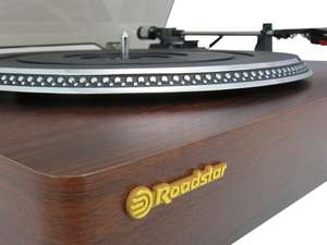 angled zoom view of turntable of Roadstar TT-385BT-T