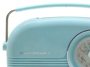 Close up of soundmaster DAB450 Portable Retro FM / DAB Radio