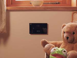 child's bedroom with teddy bear and systemline e50