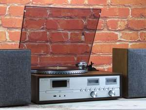 soundmaster PL880 Retro Turntable HiFi System Lifestyle Image