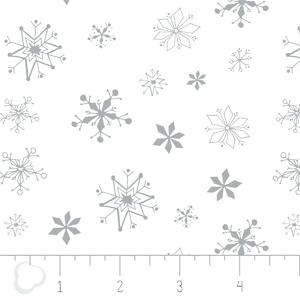 Camelot Fabrics - Winter Wonderland - Snowflakes in White