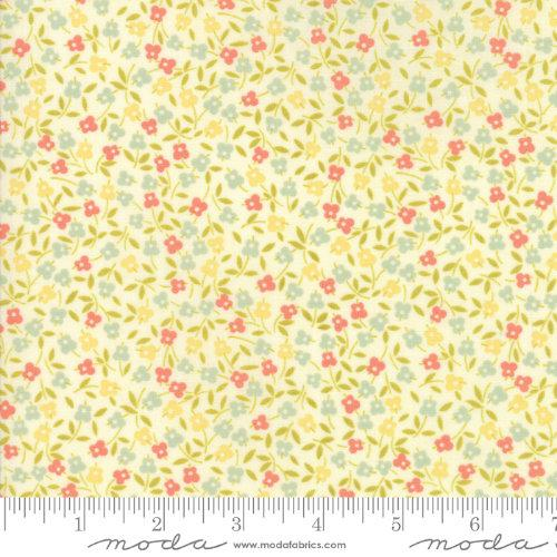 Moda Fabric - Ella and Ollie - Milk Clover Fields 20303-16