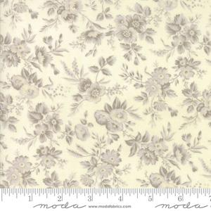 Moda Fabric Snowberry - Snow Delicate Sprays
