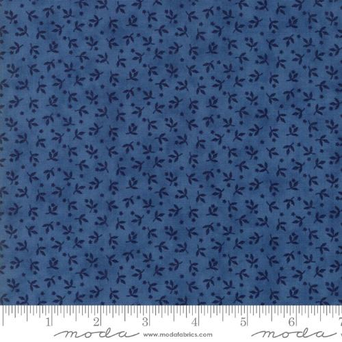 Moda Crystal Lake - Light Blue Tiny Flowers